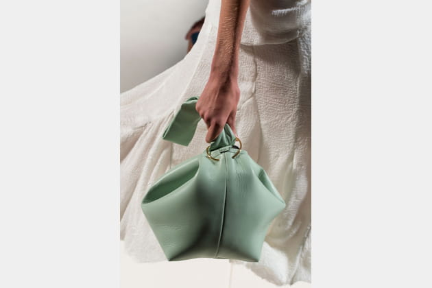 Le sac baluchon du défilé Victoria Beckham