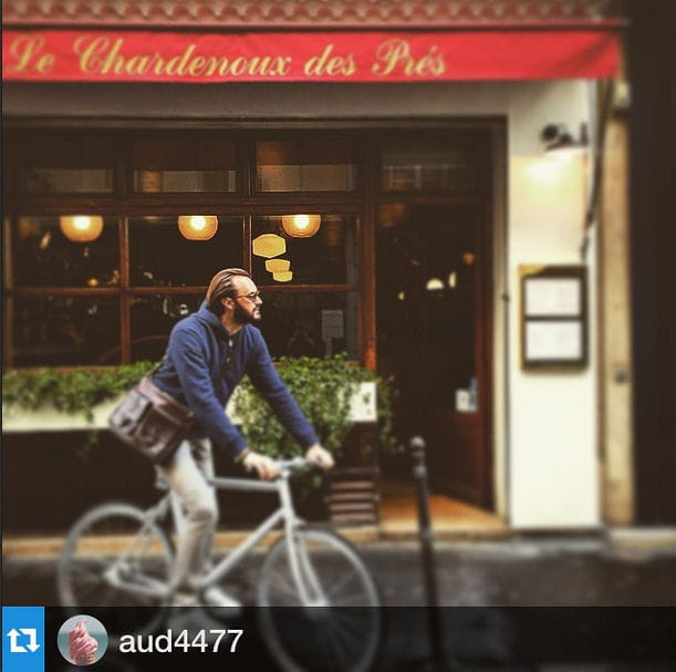 Cyril Lignac, à bicyclette