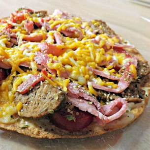 torti-pizza avec boulettes de viande