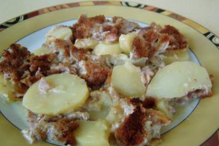 Gratin d'andouillettes aux pommes lyonnaises