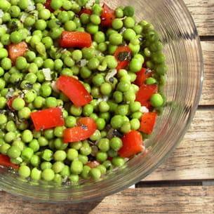 salade de petits pois et de poivrons à la menthe