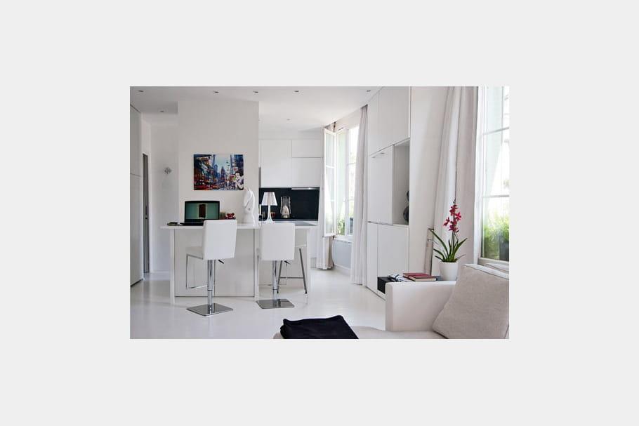 un espace modulable un appartement plein d 39 astuces journal des femmes. Black Bedroom Furniture Sets. Home Design Ideas