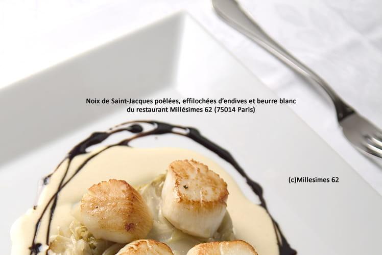 Noix de Saint-Jacques poêlées, effilochées d'endives et beurre blanc