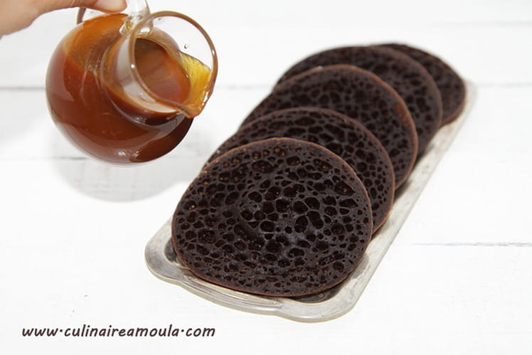 Baghrir au chocolat et à l'eau gazeuse