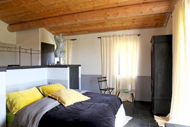 Chambre anthracite et jaune topaze