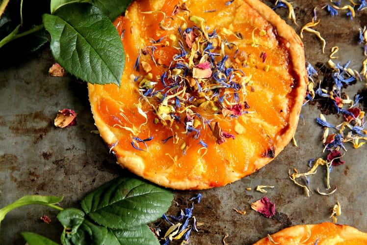 Tartes fines aux abricots et « salade de fleurs »