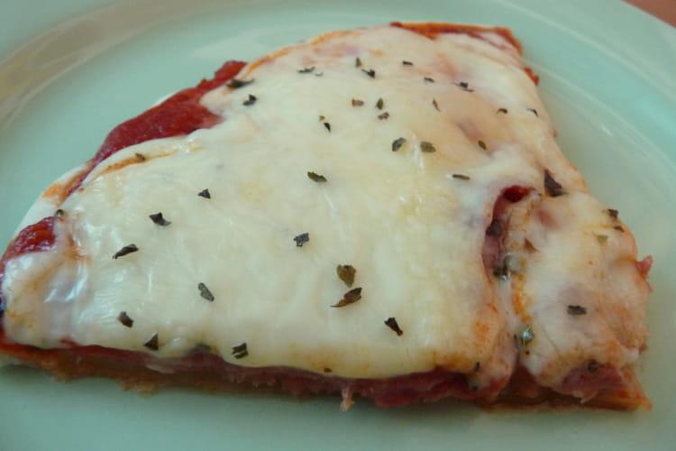 Pizza jambon cru et raclette
