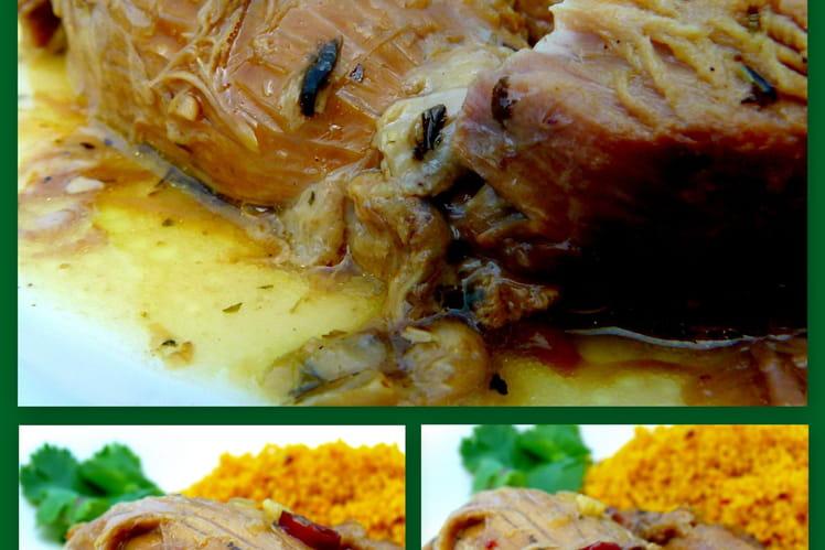 Épaule d'agneau confite aux épices à la cocotte
