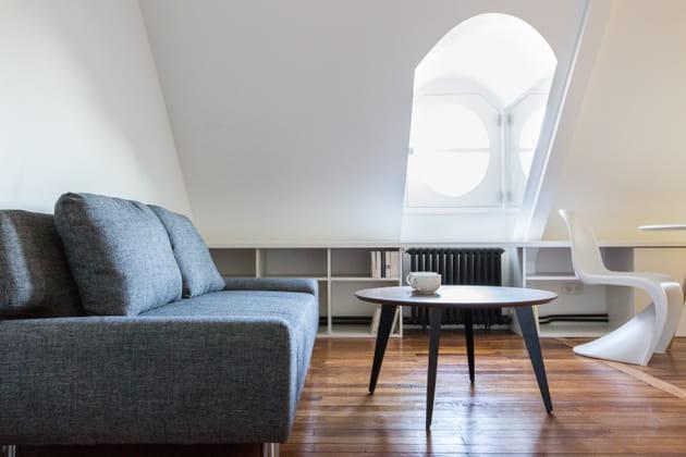 Un appartement sous les toits parisiens