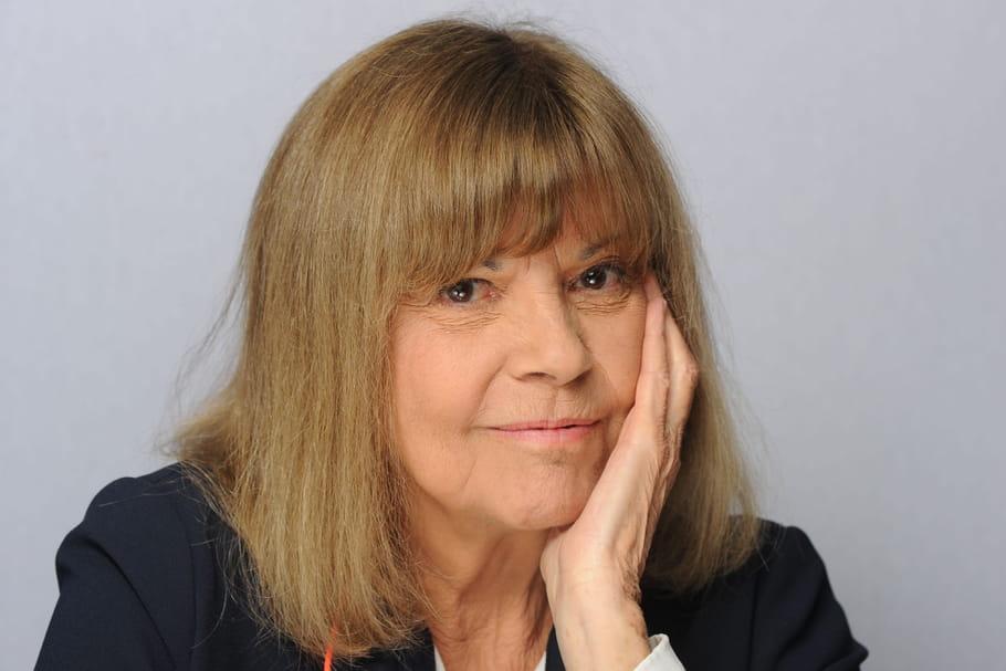 Chirurgie, régime et dent contre Laeticia Hallyday: Chantal Goya balance!