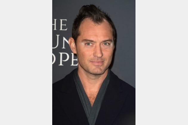 Top tendance: le smoky eye blanc de Jude Law