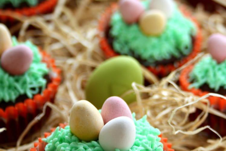 Cupcakes de Pâques au chocolat et à la vanille