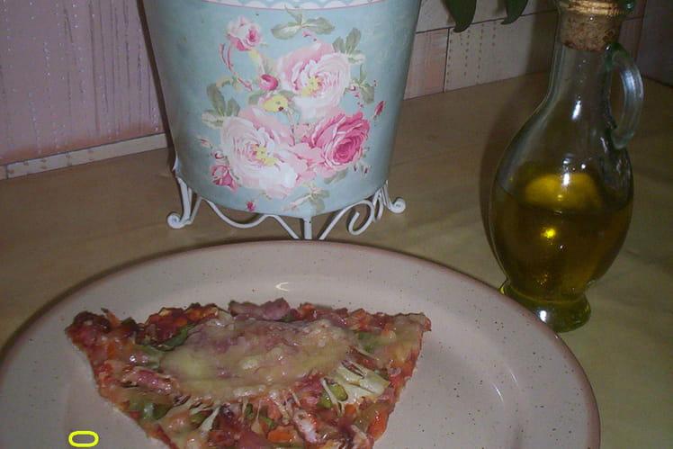 Pizza lardons, bacon et poivrons