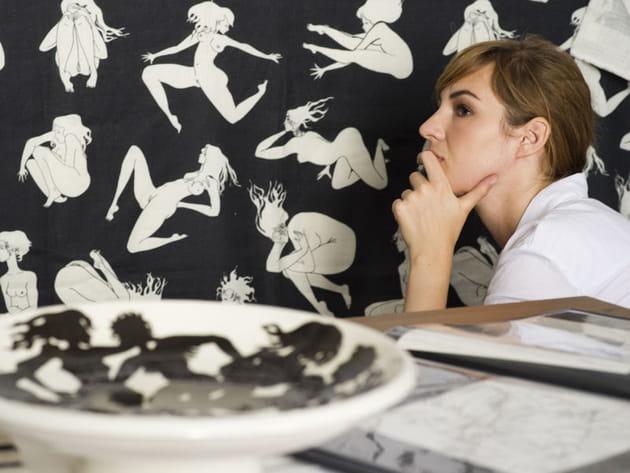 Louise Bourgoin dessine ses nus pour Pierre Frey