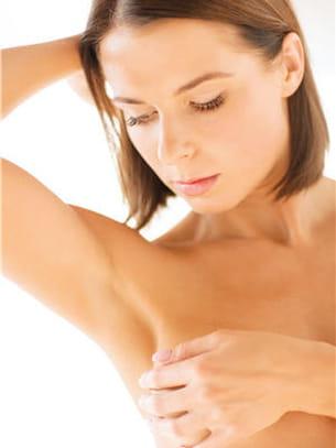 les mammographies n'empêchent pas de surveiller ses seins régulièrement.