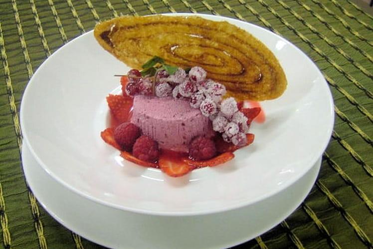 Parfait glacé aux fruits rouges et son arlette
