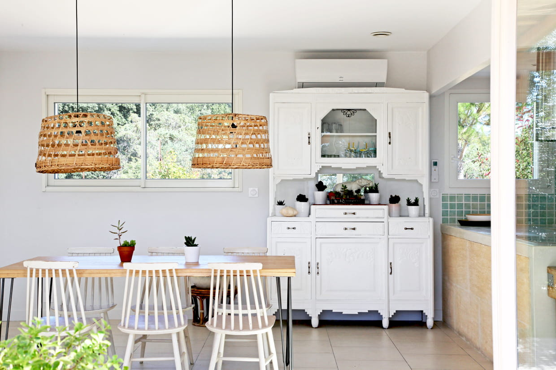 cuisine avec vaisselier vintage. Black Bedroom Furniture Sets. Home Design Ideas