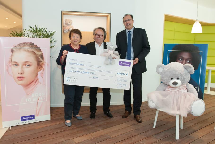 Marionnaud remet  un chèque de 100 000 euros au CEW