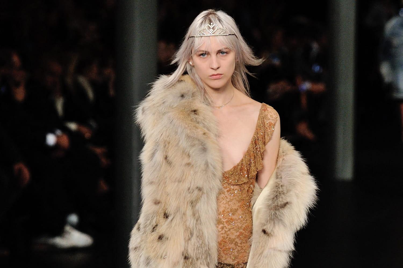 Kering (Saint Laurent, Gucci, Balenciaga) arrête la fourrure