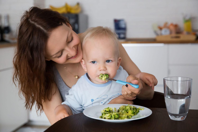 Quels aliments proposer à bébé dès 12mois?