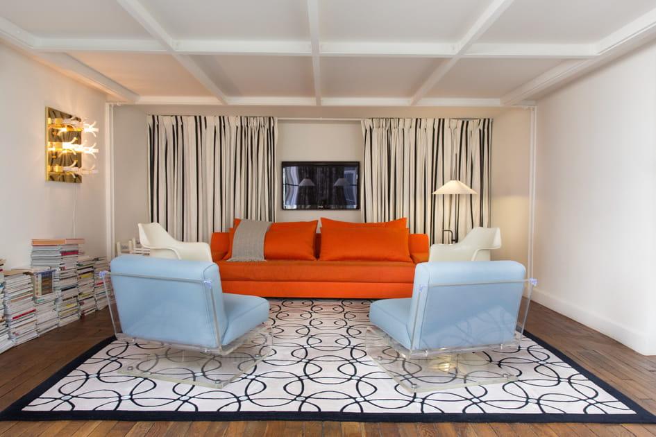Salon bleu-gris et orange