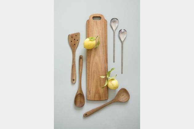 Planche et ustensiles de cuisine