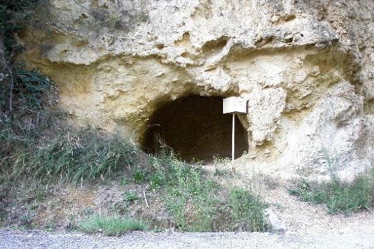 Une grotte habitée