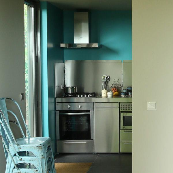 laque satin e hydrodiluable de ressource. Black Bedroom Furniture Sets. Home Design Ideas