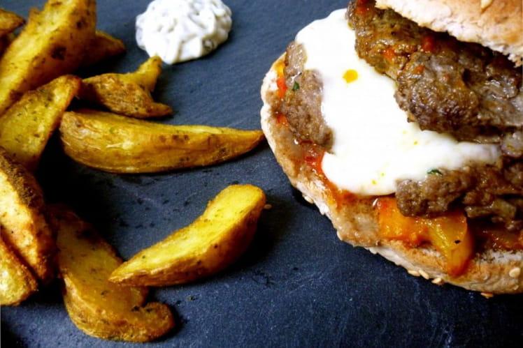 Hamburger sauce poivrons, steak fourré mozza