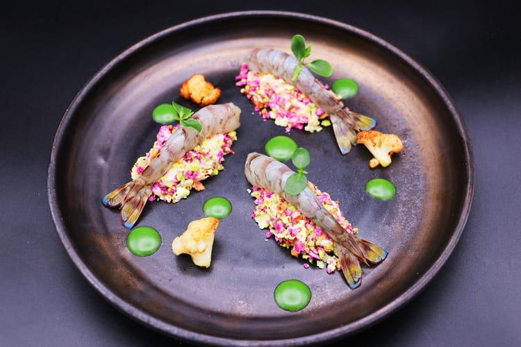 Crevettes impériales au naturel, mousseline de chou-fleur et noisettes du jardin du chef Gaëtan Perulli