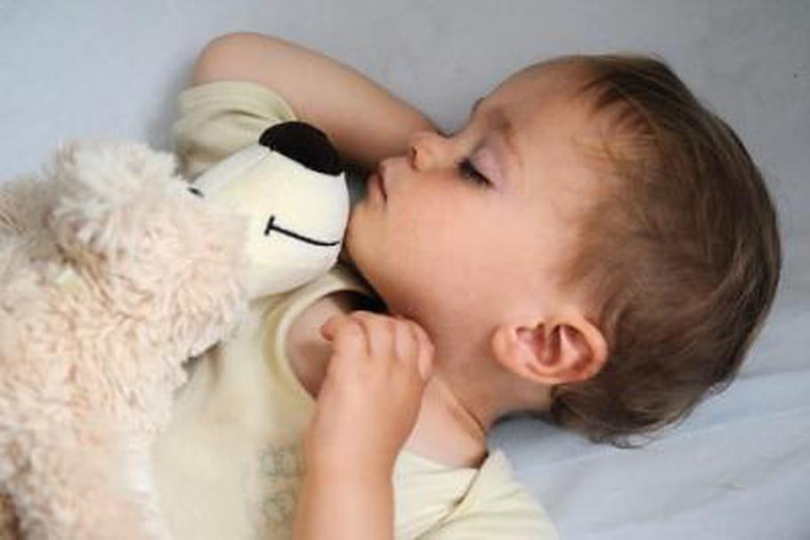 Concours photos Mer de Sable : votre enfant et son doudou
