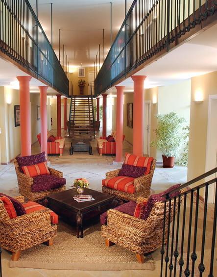 L'atrium de l'hôtel Saint-Alexis