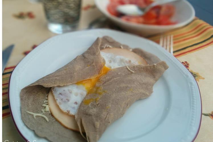 Galette complète au jambon, oeuf et emmental