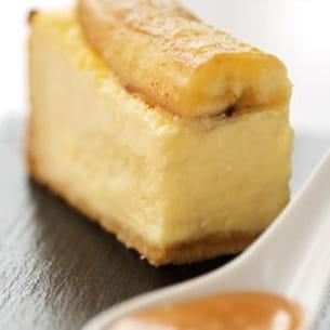 chesecake aux bananes et son caramel à la fleur de sel