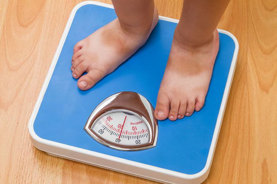 Pourquoi il faut éviter de commenter le poids de son enfant