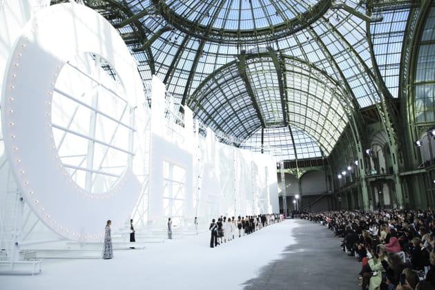 Les silhouettes du défilé Chanel printemps-été 2021