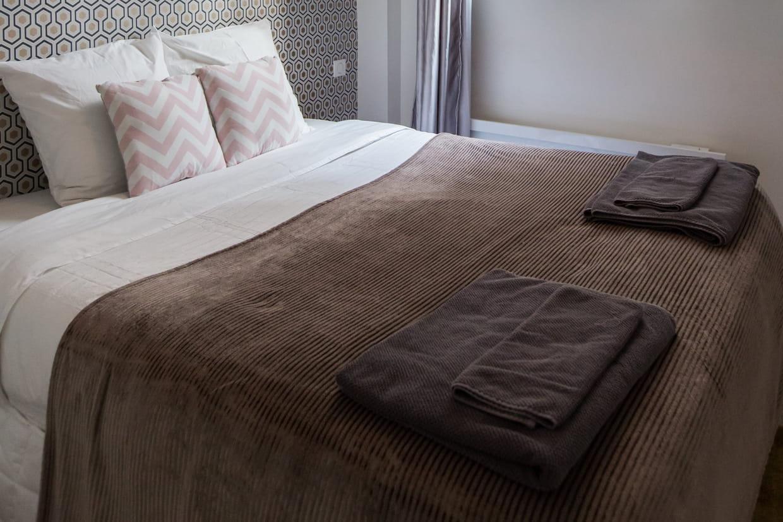 Chambre Adulte Couleur Taupe une chambre couleur taupe, élégante et originale