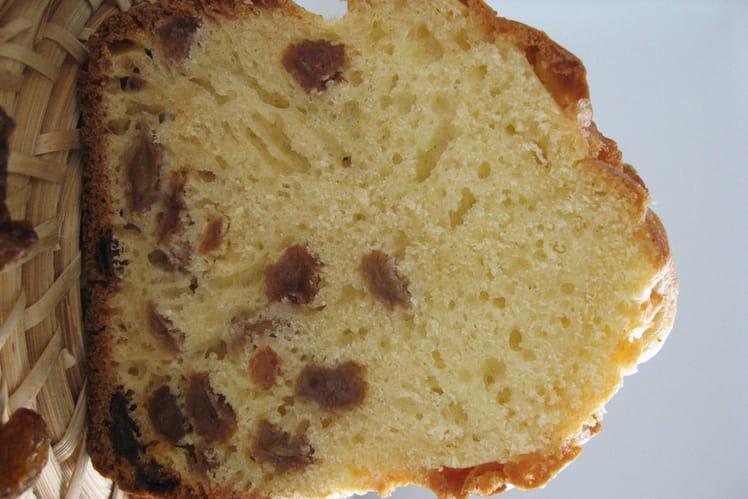 Tendre cake aux raisins secs