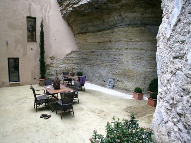 Une maison atypique dans la pierre
