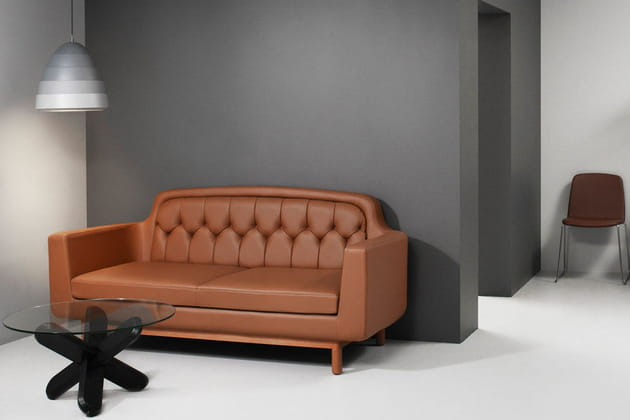 canap en cuir onkel de normann copenhagen chez made in design. Black Bedroom Furniture Sets. Home Design Ideas