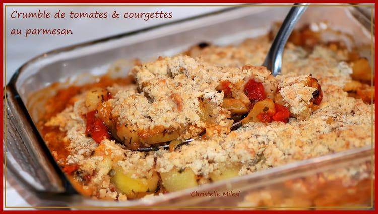 recette de crumble de tomates courgettes au parmesan la recette facile. Black Bedroom Furniture Sets. Home Design Ideas