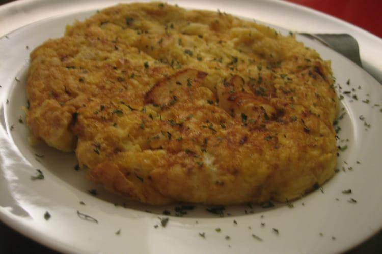 Omelette pleine d'oignons