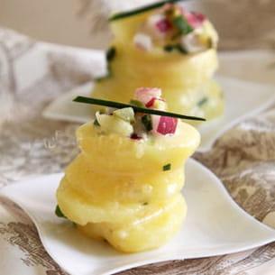 pommes de terre, cornichons et oignons, sauce moutarde