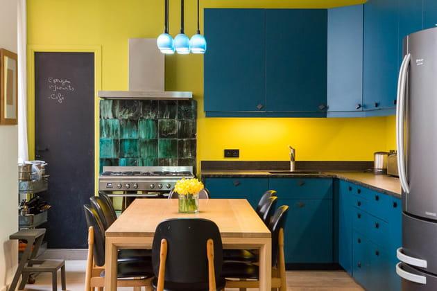 Cuisine bleue et jaune
