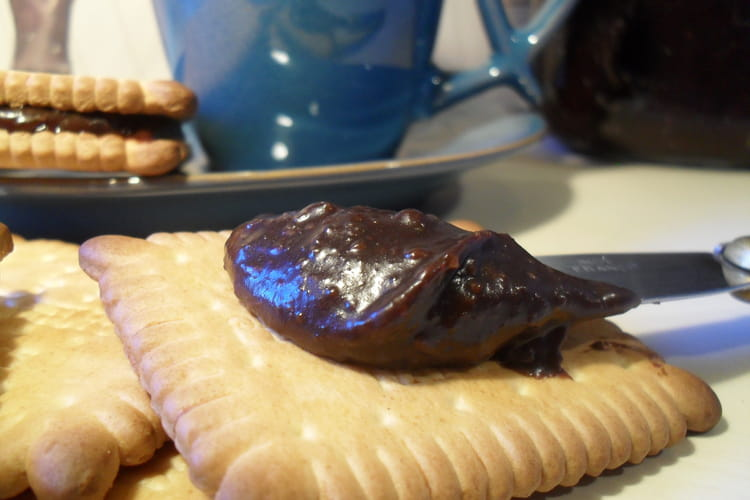 Caramel au beurre salé au cacao et noisettes
