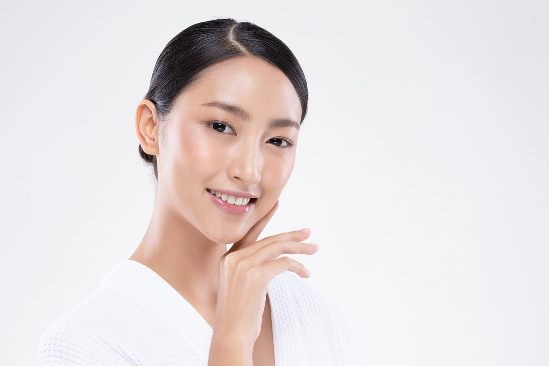 Crystal skin, la tendance glowy pour une peau rayonnante