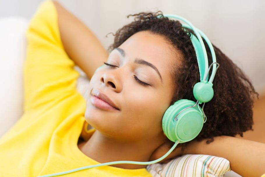Pertes auditives chez l'ado : quels sont les premiers signes ?