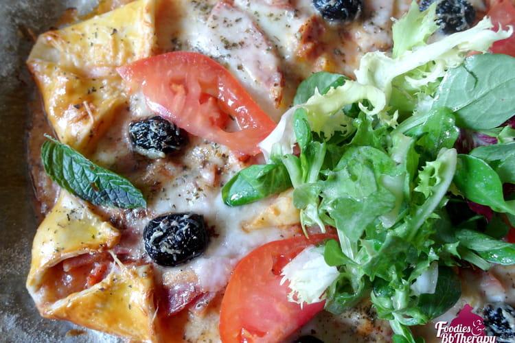 Pizza étoile au jambon, mozzarella, Comté et olives
