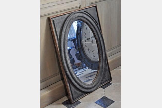 Le miroir en bois vieilli