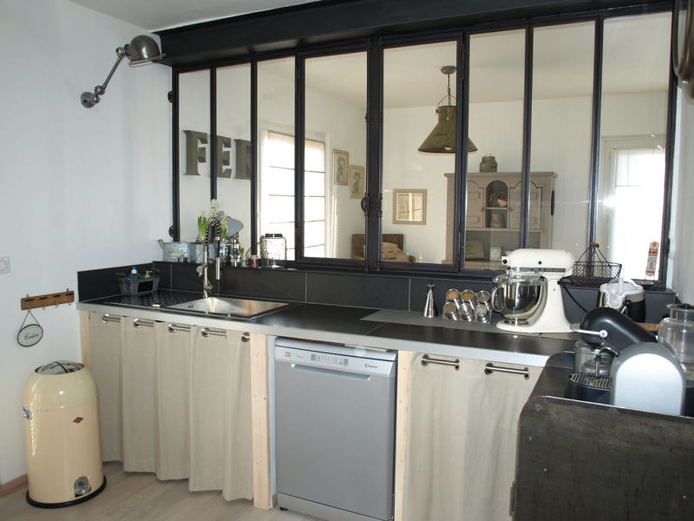 cuisine avec verri re. Black Bedroom Furniture Sets. Home Design Ideas